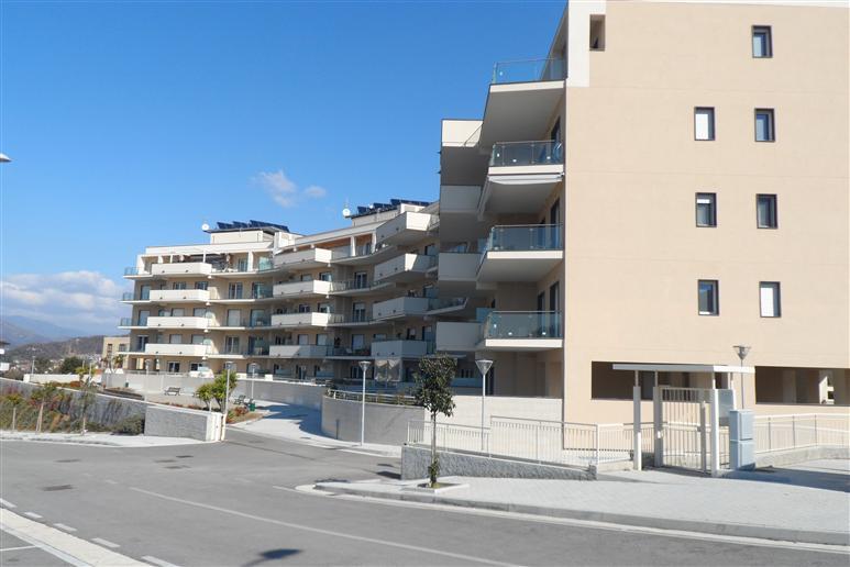 Appartamento in vendita a Salerno, 4 locali, zona Zona: Brignano, prezzo € 420.000 | Cambiocasa.it