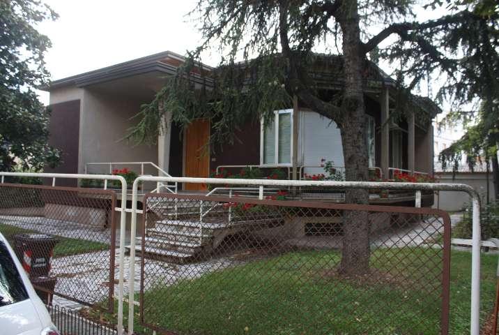 Villa in vendita a Fiorenzuola d'Arda, 6 locali,    Cambiocasa.it