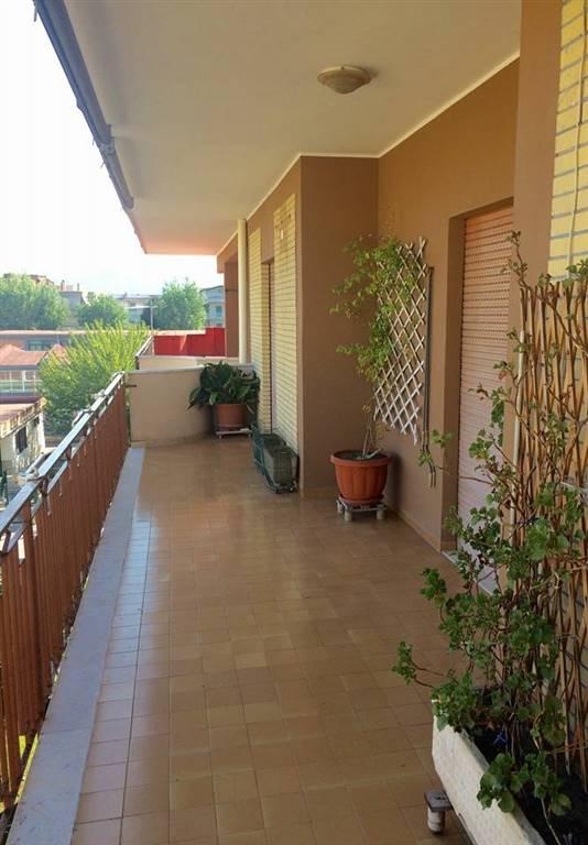 Quadrilocale in Via Benevento, Centro, Caserta