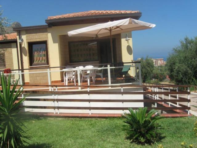 Villa Bifamiliare in vendita a Trabia, 7 locali, prezzo € 190.000 | Cambio Casa.it