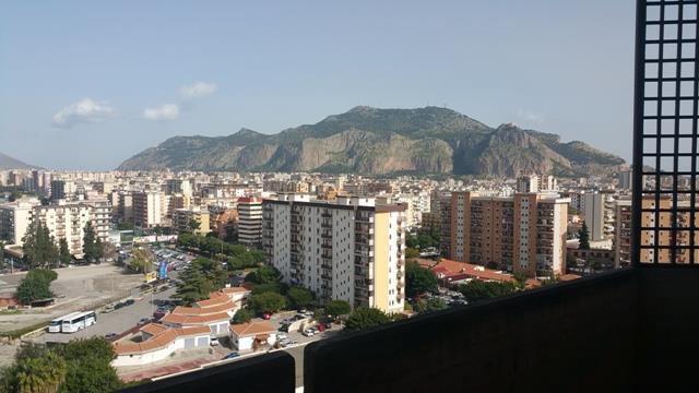 Appartamento in affitto a Palermo, 4 locali, prezzo € 1.000 | Cambio Casa.it