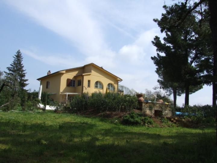 Villa in Vendita a Guardistallo
