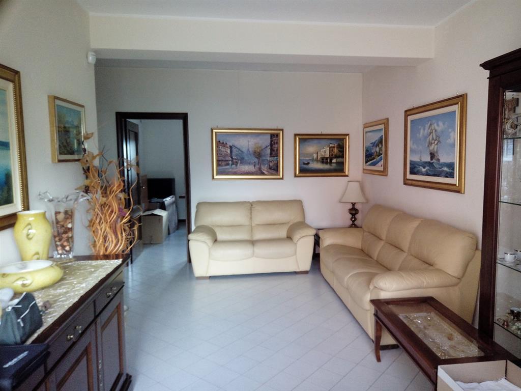 Appartamento in vendita a Nocera Inferiore, 5 locali, zona Zona: Merichi - Cicalesi, prezzo € 240.000 | Cambiocasa.it