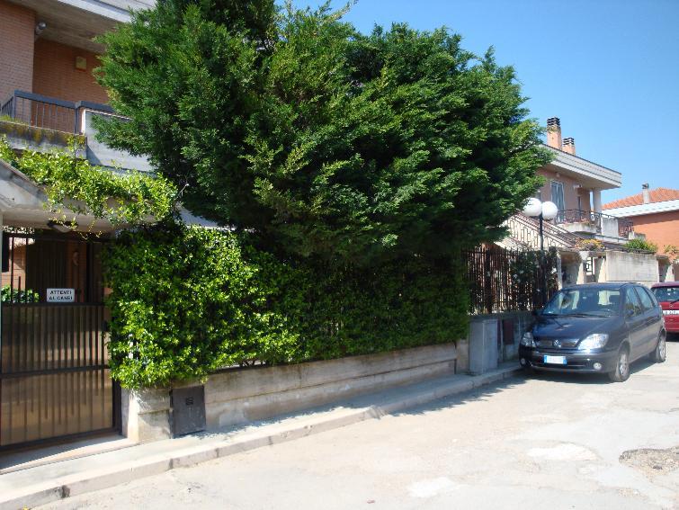 Villa in vendita a San Severo, 5 locali, prezzo € 250.000 | CambioCasa.it