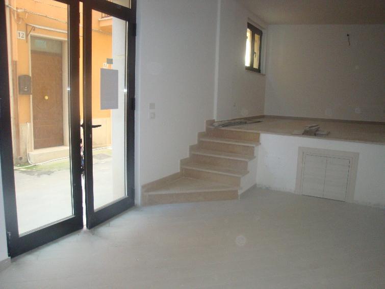 Immobile Commerciale in vendita a San Severo, 2 locali, prezzo € 69.000 | CambioCasa.it