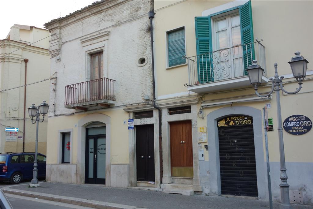 Appartamento in vendita a San Severo, 4 locali, prezzo € 99.000 | CambioCasa.it
