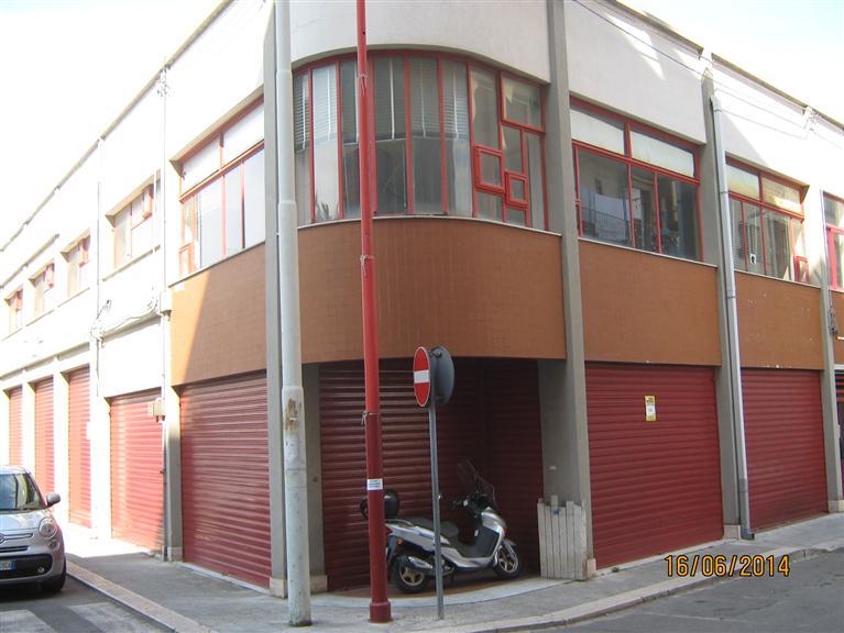 Attività / Licenza in affitto a Monopoli, 2 locali, prezzo € 1.500 | CambioCasa.it