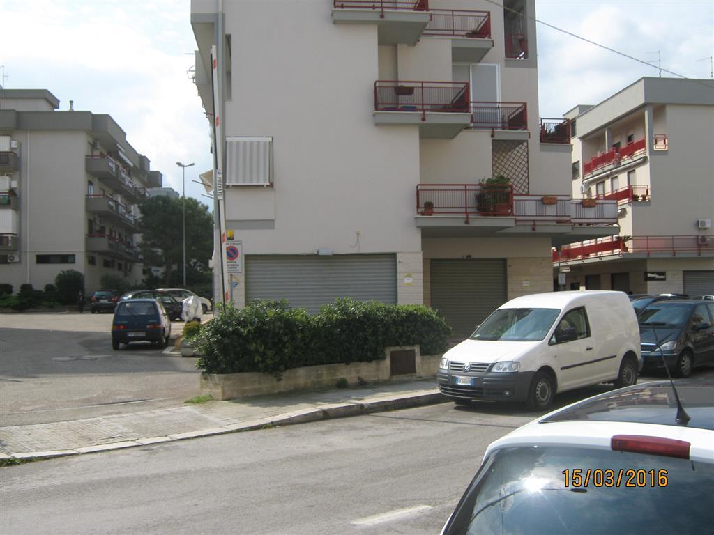 Negozio / Locale in affitto a Monopoli, 1 locali, prezzo € 2.500 | CambioCasa.it