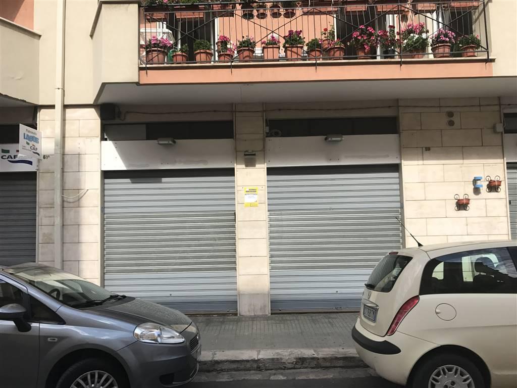 Negozio / Locale in affitto a Monopoli, 2 locali, prezzo € 900 | Cambio Casa.it