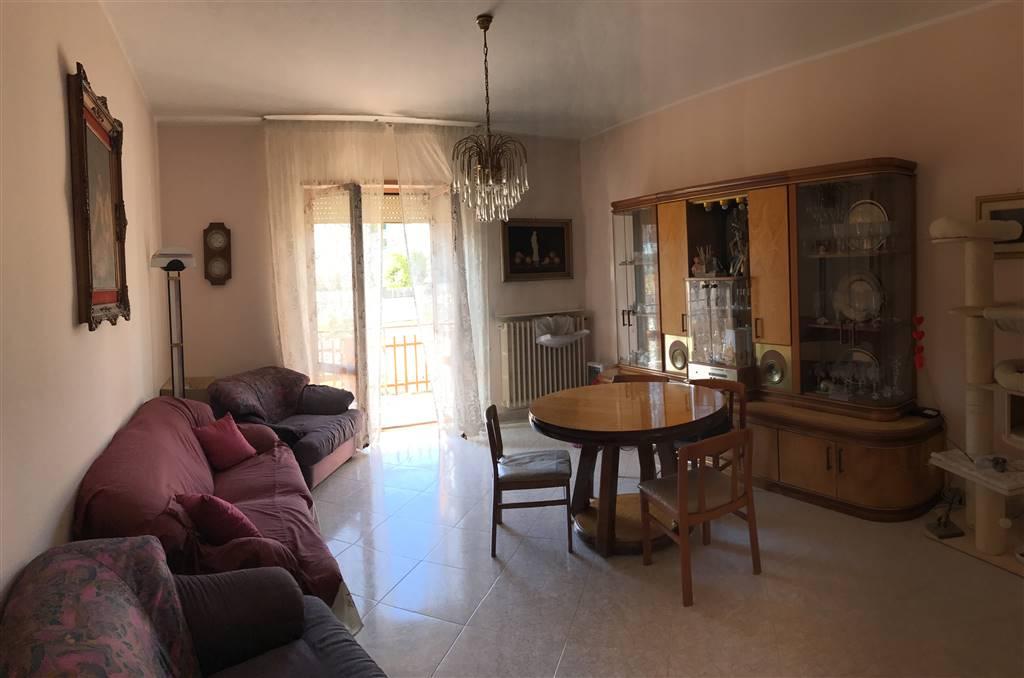 Appartamento in vendita a Monopoli, 5 locali, prezzo € 230.000 | CambioCasa.it