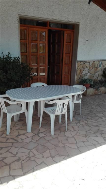 Soluzione Semindipendente in affitto a Monopoli, 3 locali, zona Località: GORGOFREDDO, prezzo € 400 | CambioCasa.it