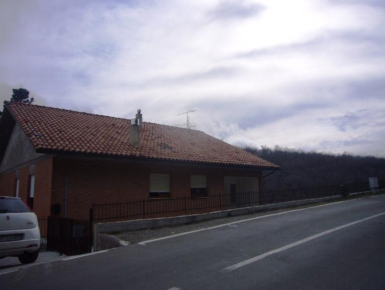 Villa vendita CINIGIANO (GR) - 6 LOCALI - 270 MQ