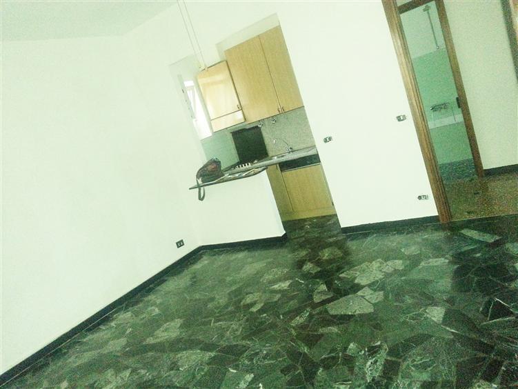 Appartamento in vendita a Savona, 3 locali, zona Zona: Valloria, prezzo € 165.000 | Cambio Casa.it