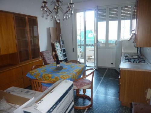 Appartamento in vendita a Vado Ligure, 3 locali, zona Località: CENTRO, prezzo € 158.000 | Cambio Casa.it