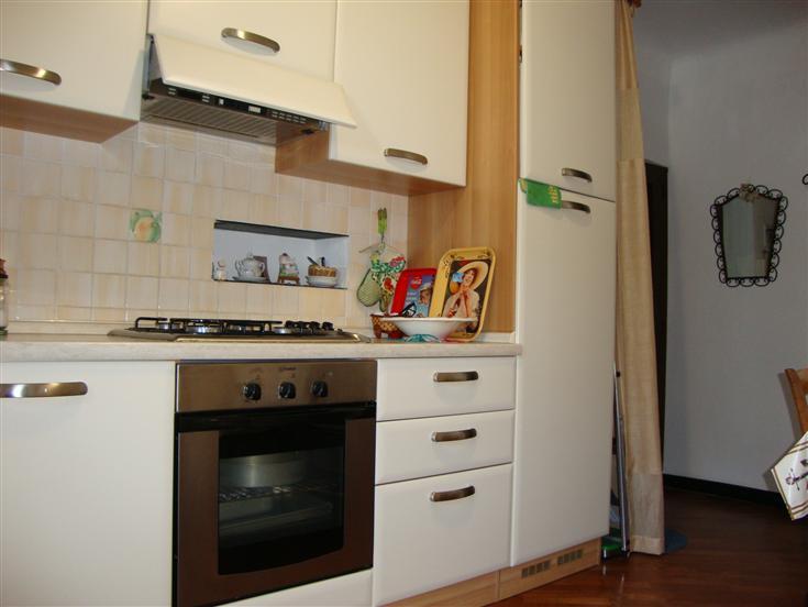 Appartamento in vendita a Vado Ligure, 2 locali, zona Località: PORTO VADO, prezzo € 130.000 | Cambio Casa.it
