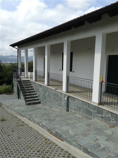 Villa in vendita a Savona, 10 locali, zona Zona: Villetta, Trattative riservate | Cambio Casa.it