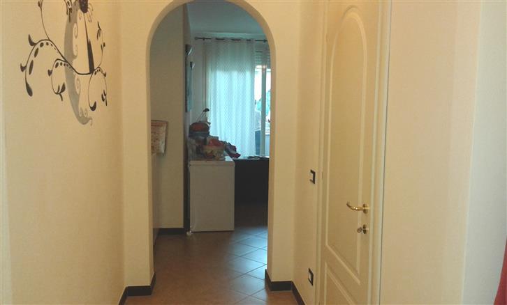 Appartamento in vendita a Savona, 2 locali, zona Zona: Oltreletimbro, prezzo € 138.000 | Cambio Casa.it