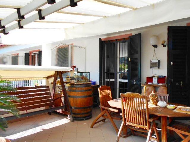 Soluzione Semindipendente in vendita a Vado Ligure, 6 locali, zona Località: VALLE DI VADO, Trattative riservate   Cambio Casa.it