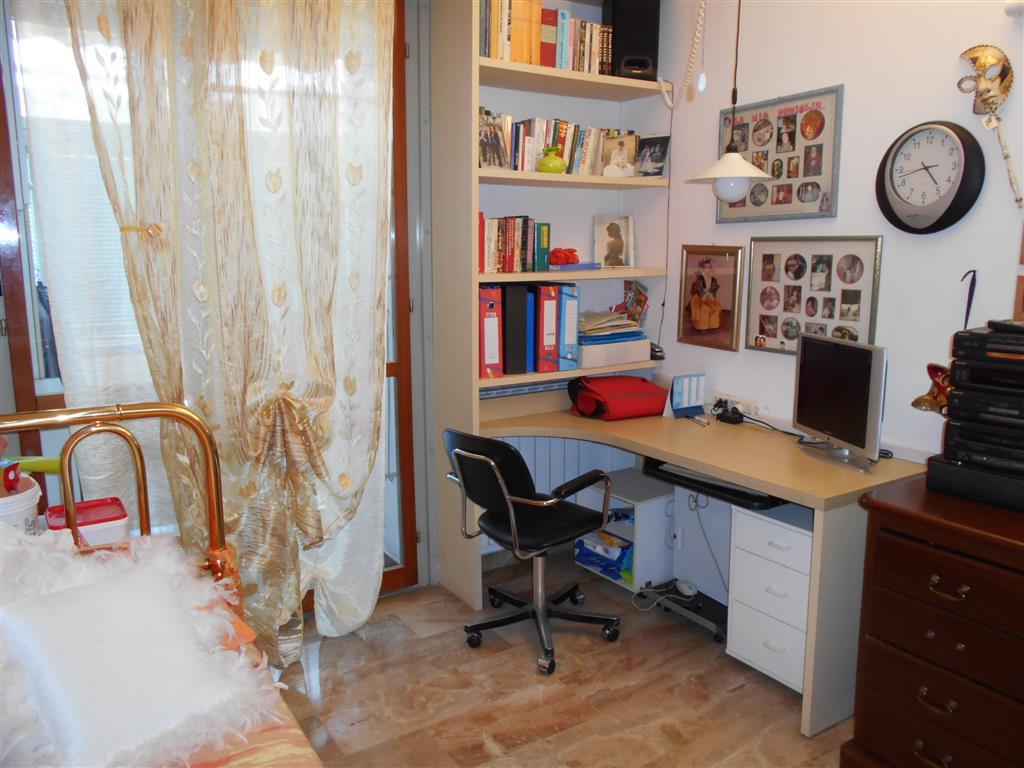 Appartamento in vendita a Savona, 5 locali, prezzo € 268.000 | Cambio Casa.it