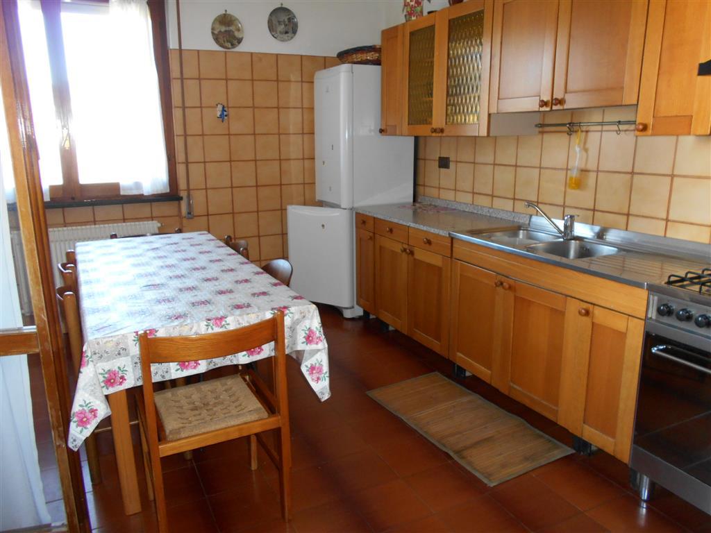 Appartamento in affitto a Savona, 7 locali, zona Zona: LeginoZinola, prezzo € 900 | Cambio Casa.it