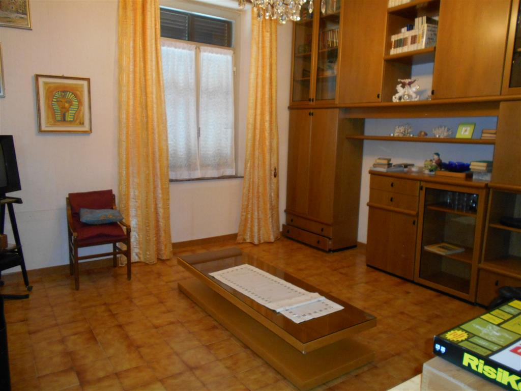 Appartamento in vendita a Savona, 4 locali, zona Zona: Oltreletimbro, prezzo € 143.000 | Cambio Casa.it