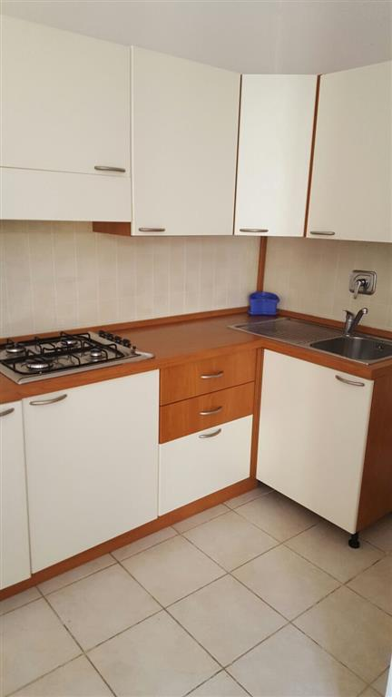 Appartamento in vendita a Quiliano, 5 locali, zona Zona: Valleggia, prezzo € 100.000   Cambio Casa.it