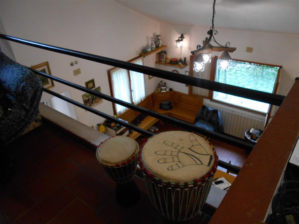 Villa in vendita a Vado Ligure, 4 locali, zona Località: SANTERMETE, prezzo € 350.000 | Cambio Casa.it