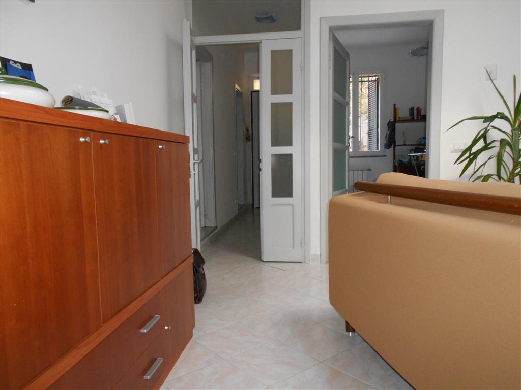 Soluzione Indipendente in vendita a Vado Ligure, 6 locali, zona Località: SANTERMETE, prezzo € 227.000 | Cambio Casa.it