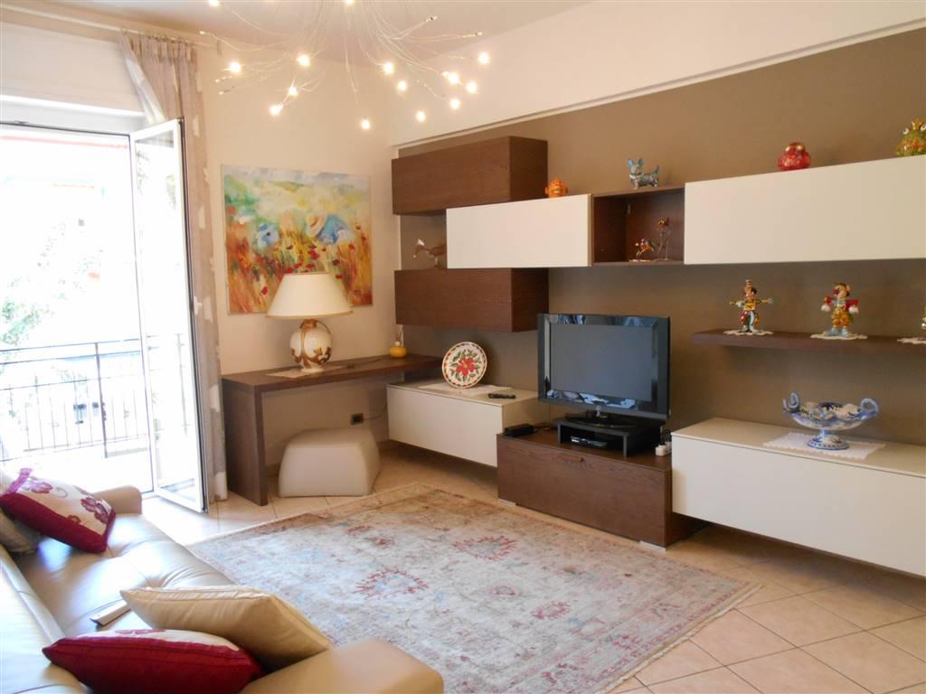 Appartamento in vendita a Noli, 4 locali, prezzo € 380.000 | Cambio Casa.it