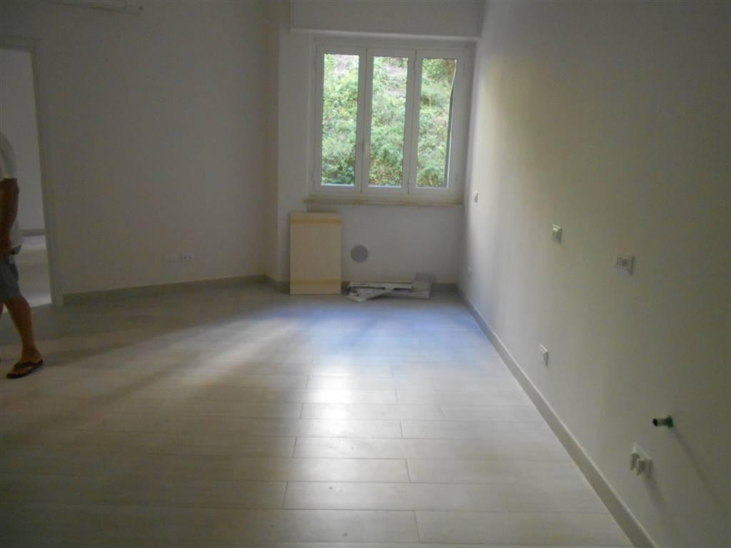 Appartamento in vendita a Spotorno, 5 locali, prezzo € 420.000   Cambio Casa.it