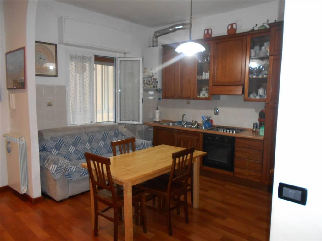 Soluzione Indipendente in vendita a Vado Ligure, 5 locali, zona Località: CENTRO, prezzo € 164.000 | Cambio Casa.it