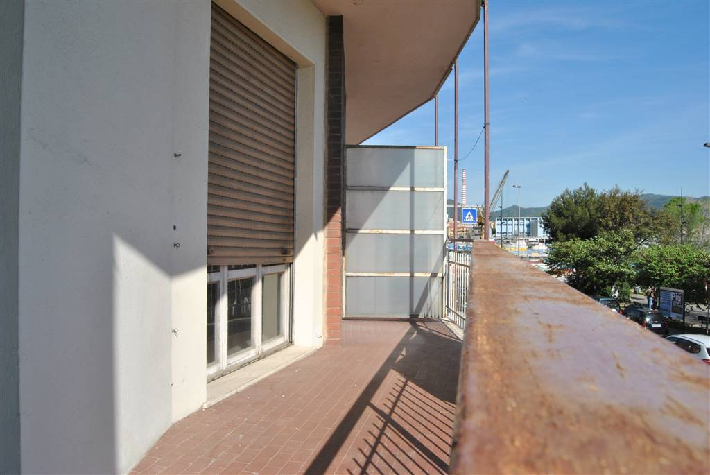 Appartamento in Vendita a Vado Ligure