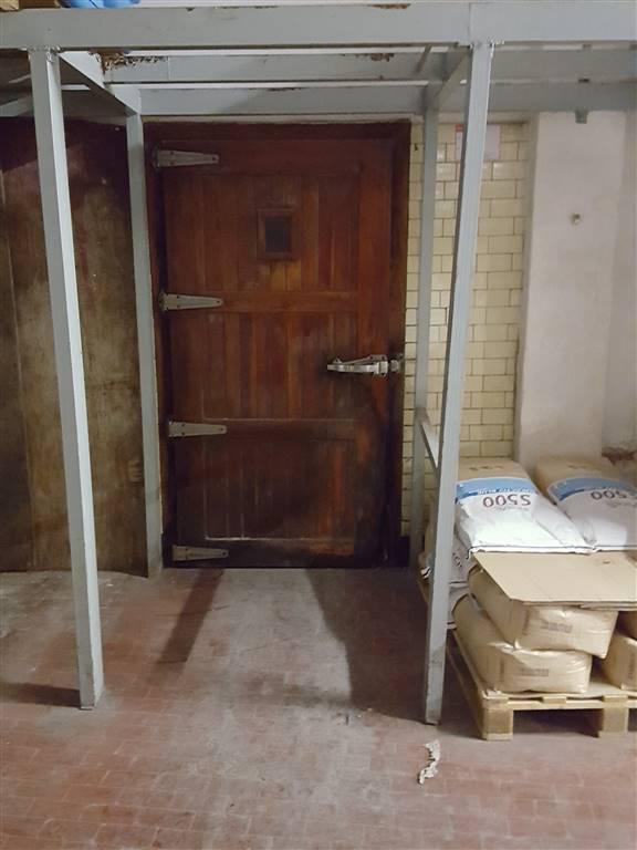 Attività / Licenza in vendita a Savona, 8 locali, zona Zona: Villapiana, prezzo € 200.000 | Cambio Casa.it