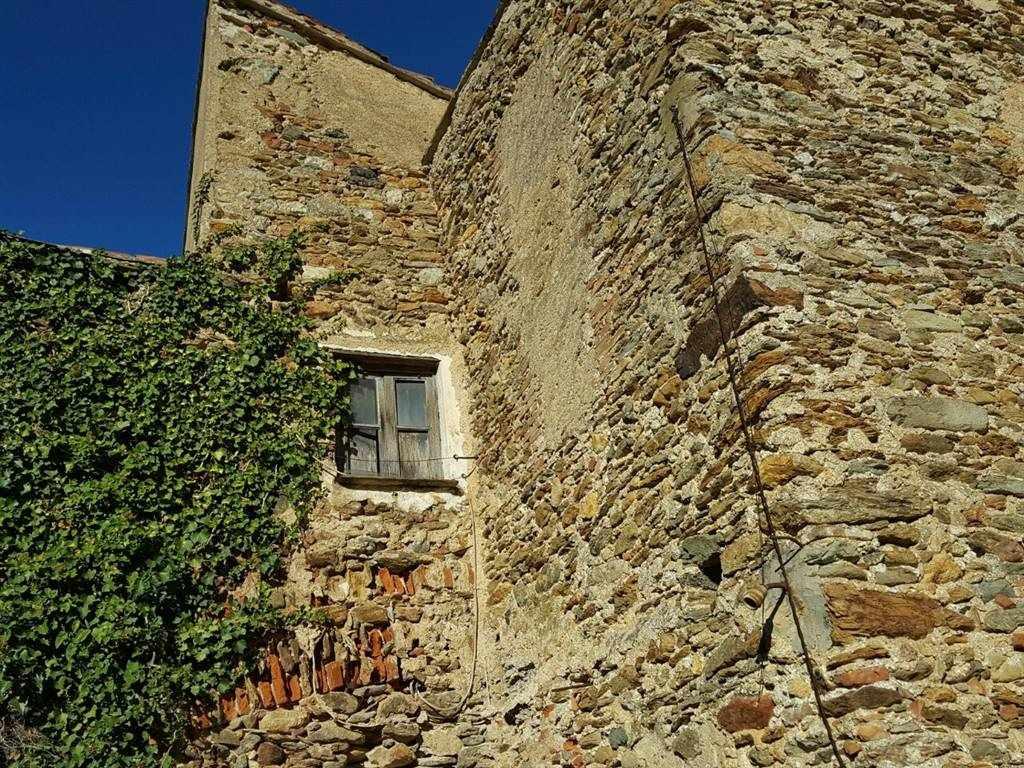 Rustico / Casale in Vendita a Vado Ligure