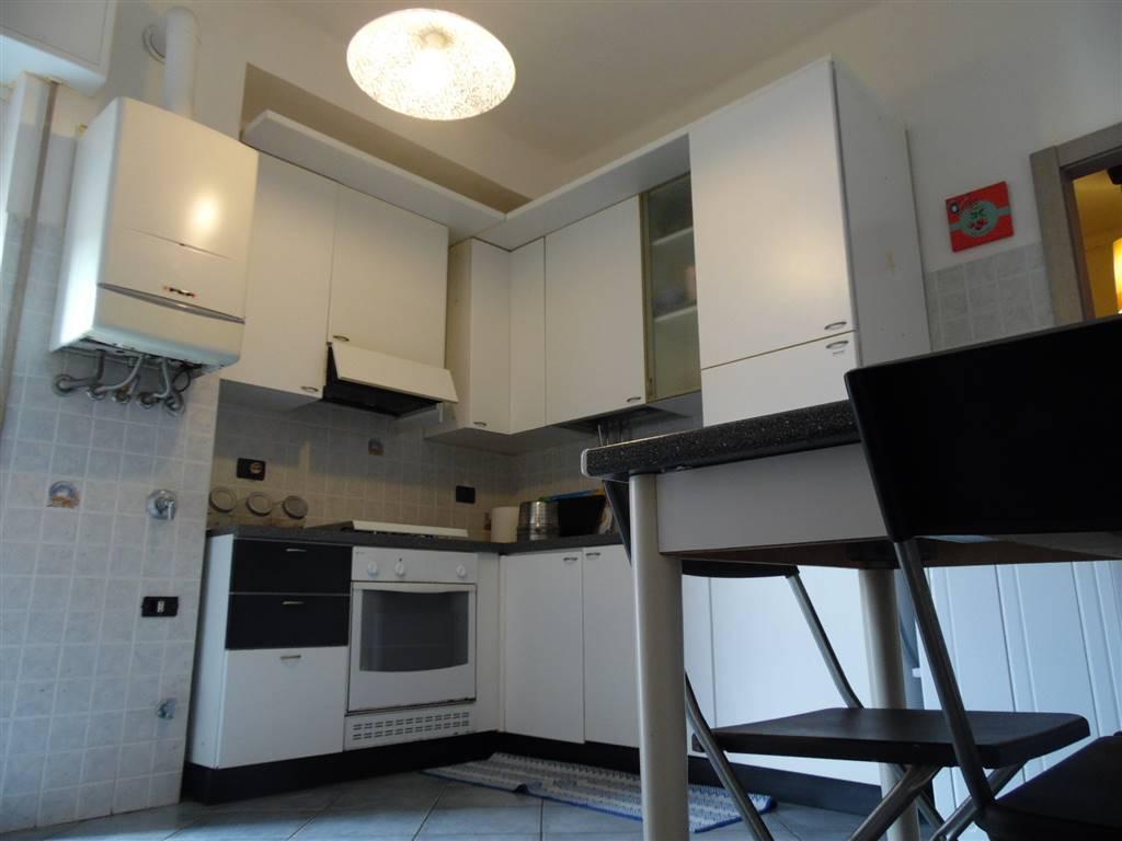 Appartamento in vendita a Savona, 4 locali, zona Zona: Valloria, prezzo € 135.000 | Cambio Casa.it