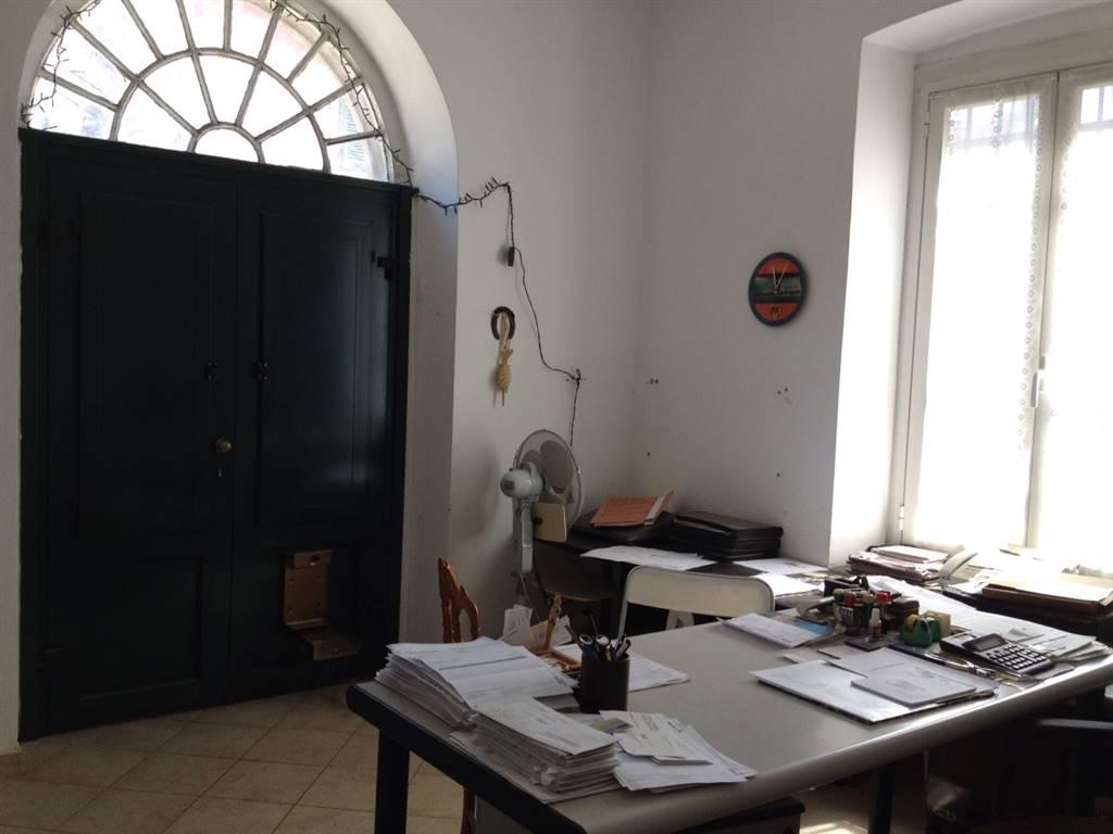 Magazzino in vendita a Rapallo, 4 locali, zona Zona: Santa Maria del Campo, prezzo € 149.000 | Cambio Casa.it