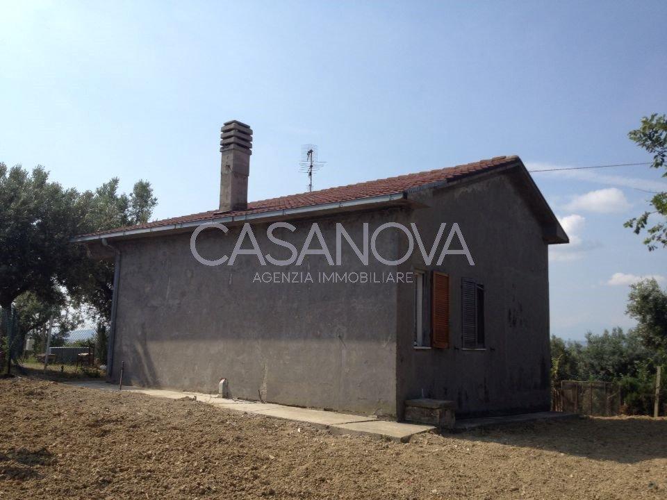 Villa in vendita a Mosciano Sant'Angelo, 3 locali, prezzo € 90.000 | CambioCasa.it