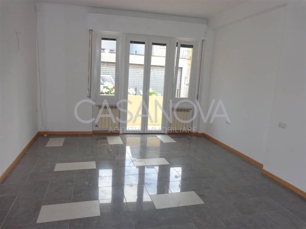 Appartamento in affitto a Pineto, 3 locali, zona Località: SCERNE, prezzo € 400 | CambioCasa.it