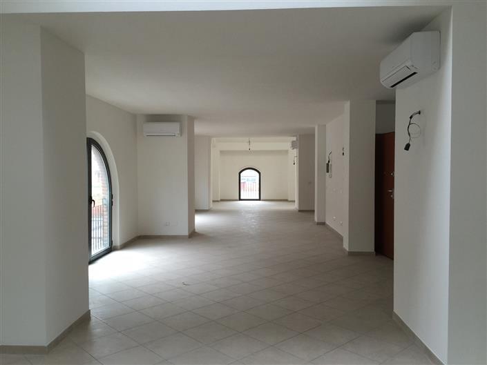 Ufficio / Studio in vendita a Buggiano, 1 locali, zona Zona: Borgo a Buggiano, prezzo € 115.000   Cambio Casa.it