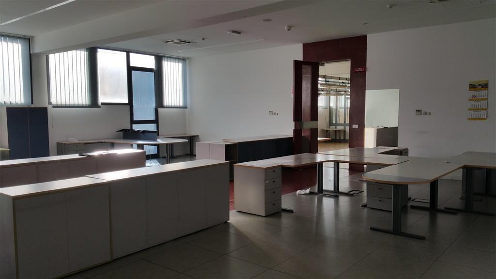 Laboratorio in affitto a Sesto Fiorentino, 2 locali, zona Zona: Osmannoro, prezzo € 6.500 | Cambio Casa.it