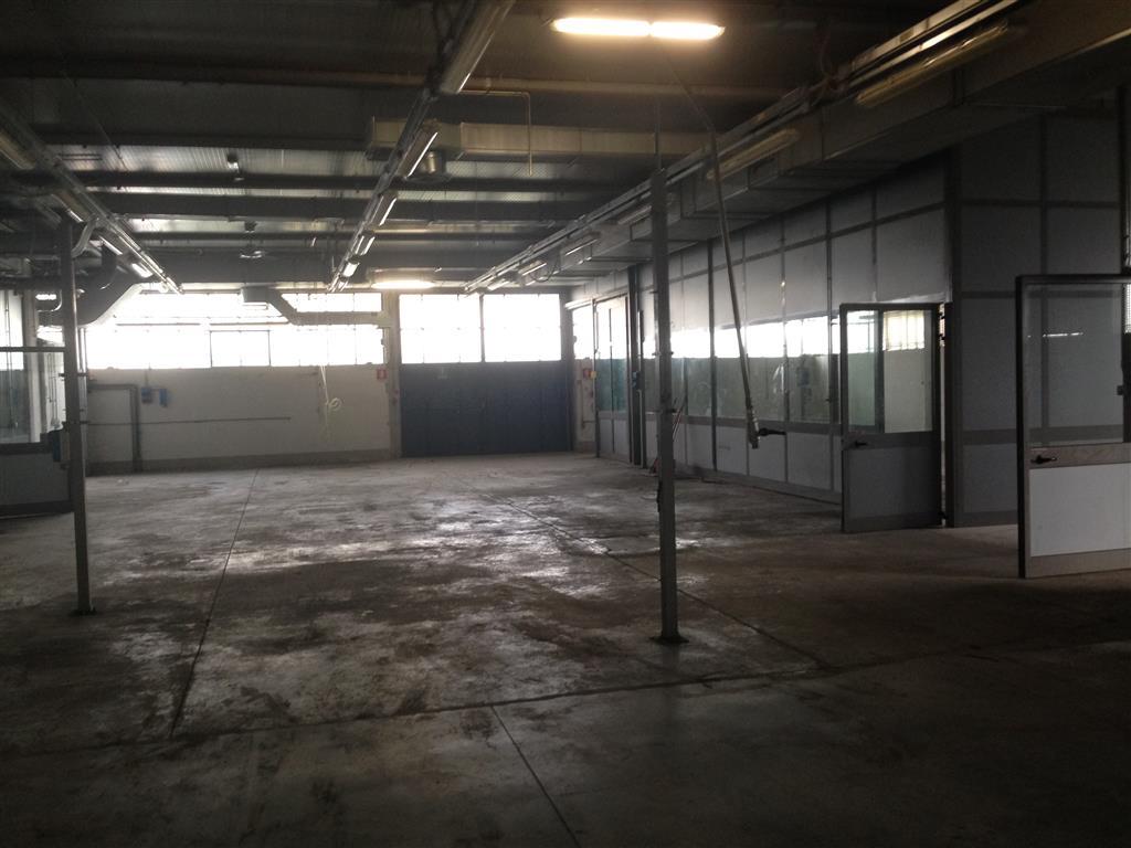 Laboratorio in affitto a Calenzano, 6 locali, zona Località: PONTE ALLA MARINA, prezzo € 10.000   Cambio Casa.it