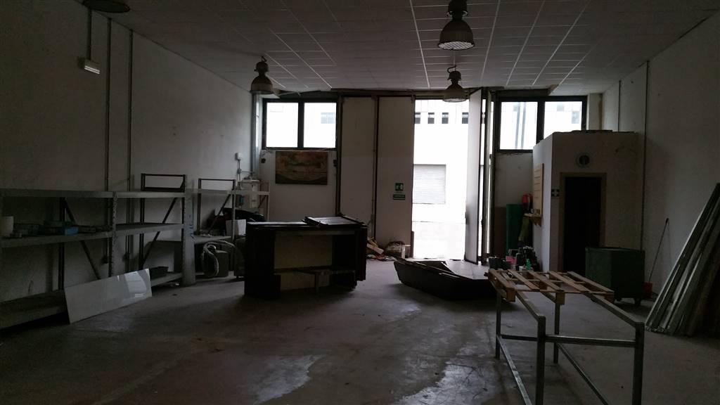 Laboratorio in affitto a Campi Bisenzio, 1 locali, zona Zona: Capalle, prezzo € 1.560 | Cambio Casa.it