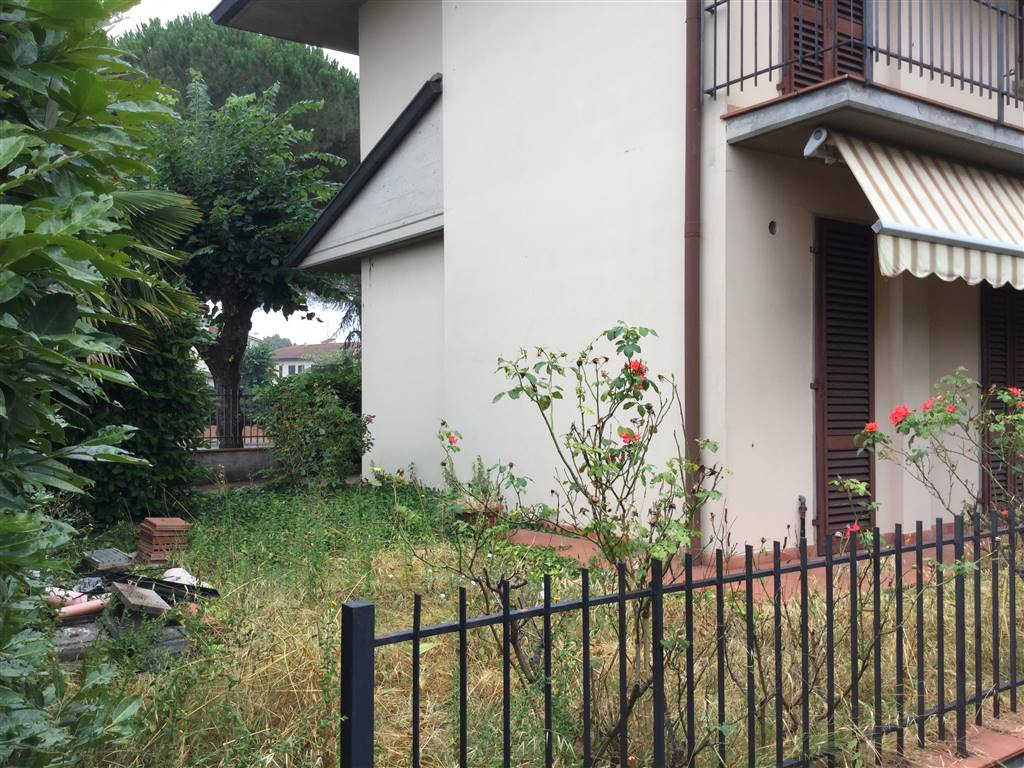Soluzione Indipendente in vendita a Poggio a Caiano, 6 locali, prezzo € 369.000 | Cambio Casa.it