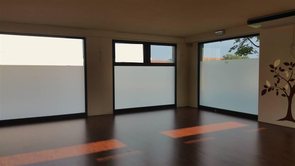 Negozio / Locale in affitto a Signa, 3 locali, prezzo € 1.050 | Cambio Casa.it