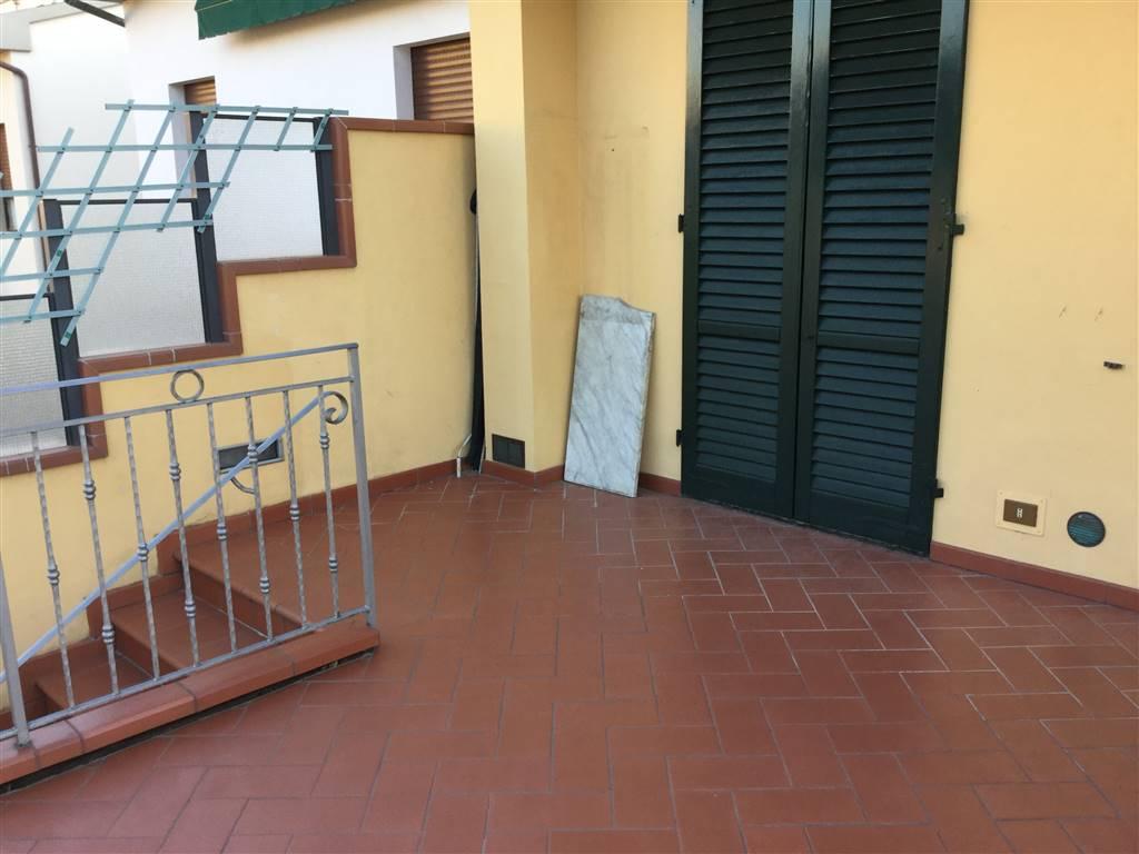 Appartamento in affitto a Campi Bisenzio, 4 locali, prezzo € 750 | Cambio Casa.it