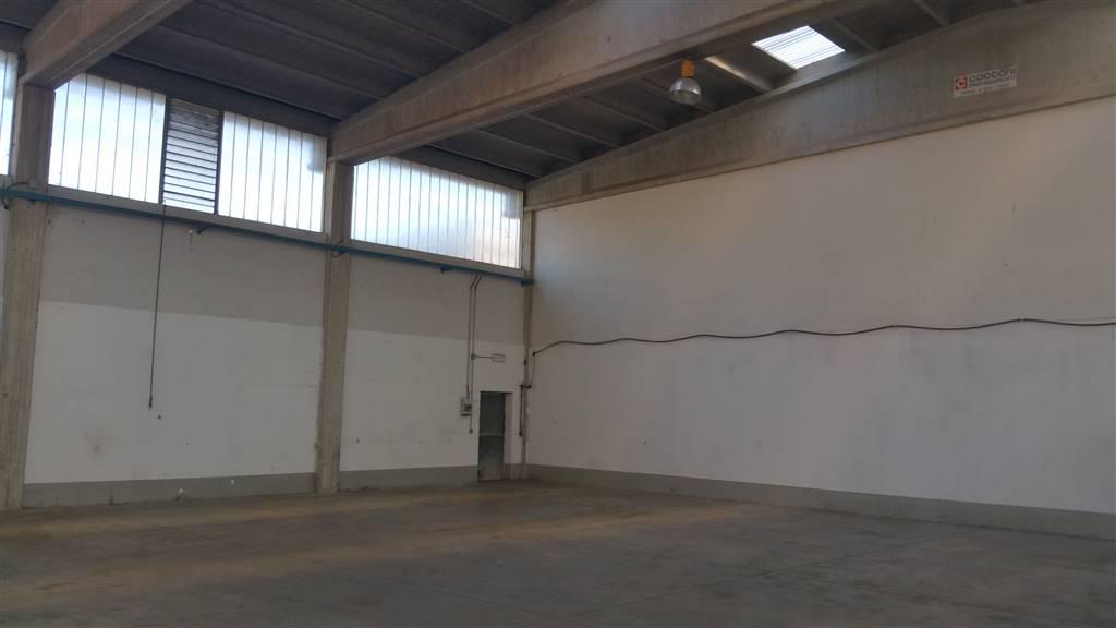 Laboratorio in affitto a Prato, 1 locali, zona Zona: La Querce, prezzo € 1.600 | Cambio Casa.it