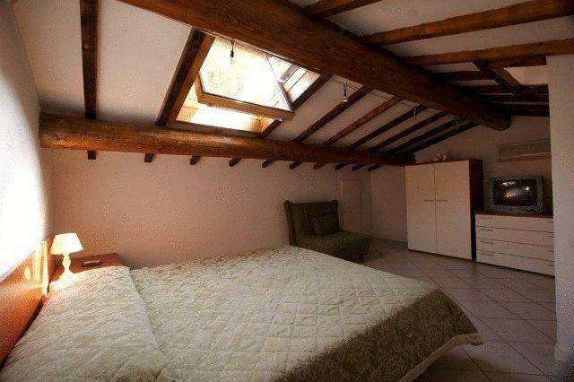 Villa in vendita a Poggio a Caiano, 10 locali, prezzo € 550.000 | Cambio Casa.it
