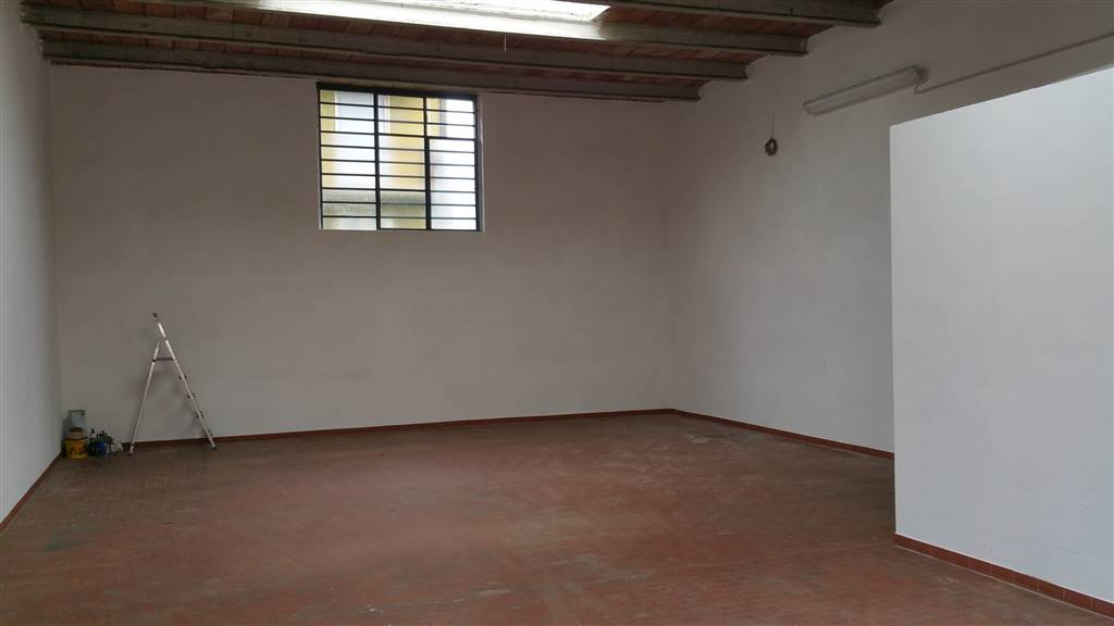 Capannone in affitto a Prato, 1 locali, zona Zona: San Giorgio a Colonica, prezzo € 900   CambioCasa.it
