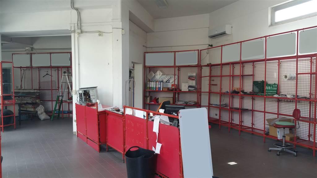 Negozio / Locale in affitto a Calenzano, 1 locali, prezzo € 1.000 | CambioCasa.it