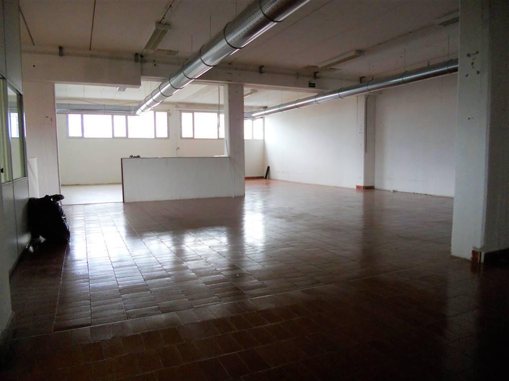 Laboratorio in affitto a Signa, 3 locali, zona Zona: Colli Alti, prezzo € 1.800 | CambioCasa.it
